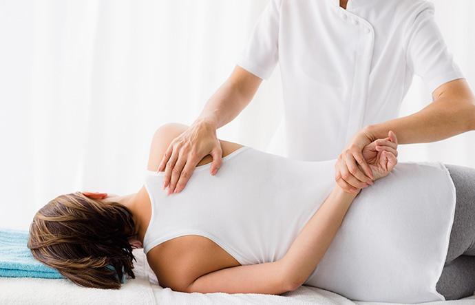 policlinica-sekhmet-granada-tratamiento-fisioterapia-especialidades-principal-fisioterapia