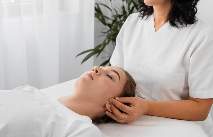 policlinica-sekhmet-granada-tratamiento-fisioterapia-especialidades-principal-osteopatia